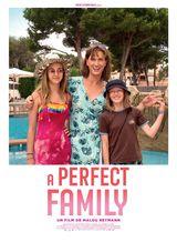 Affiche de A Perfect Family (2020)