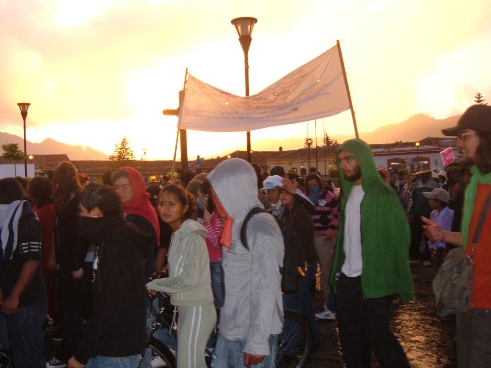 Marchan jóvenes graffiteros por San Cristóbal de Las Casas (5/5)