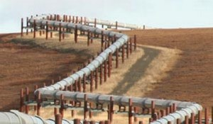 A portion of the 800 mile long oil pipeline that travels from Prudhoe Bay to Valdez. Image-APSC