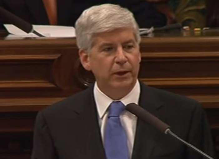 Michigan Governor Apologizes to Flint, Promises Water Fixes