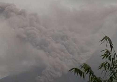 Philippines Raises Volcano Threat Level