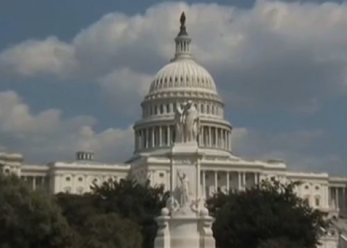 US Lawmakers Urge Obama to Expand Military Action Against Islamic State