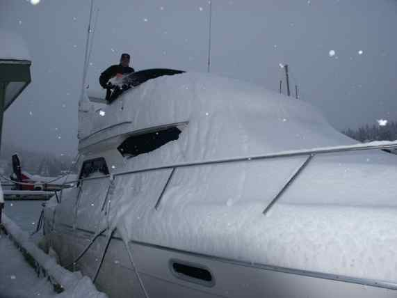 Coast Guard Reminds Mariners, Harbor Users of Snow Load