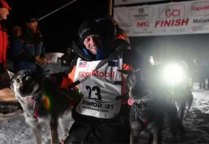 Dallas Seavey Wins Record-Tying Fifth Iditarod Championship