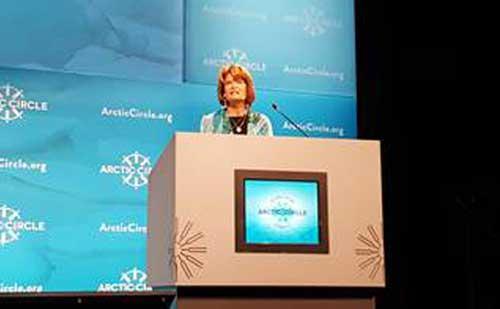 Murkowski Spotlights Alaska at Arctic Circle Assembly in Iceland