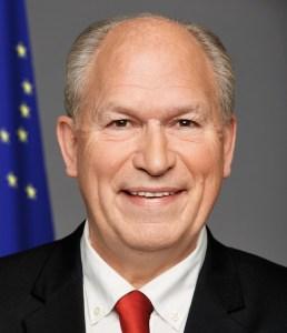 Alaska Governor Bill Walker. Image-Official State of Alaska Portrait