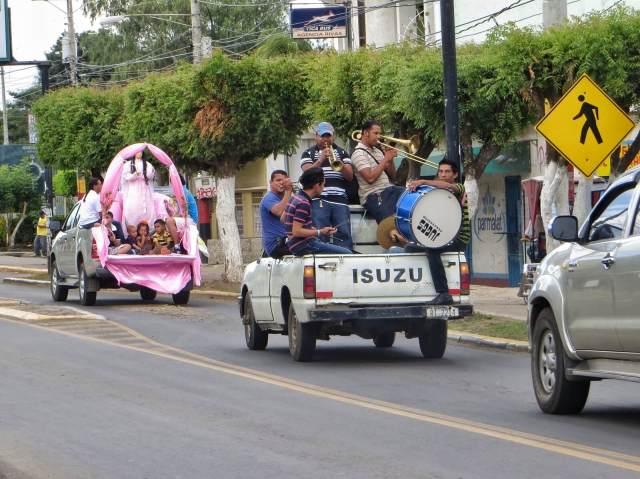 Rivasissa juhlittiin neitsyttä vielä täysillä