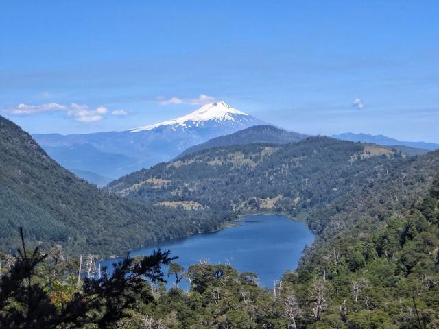 Volcan Villarica & Lago Tinquilco.