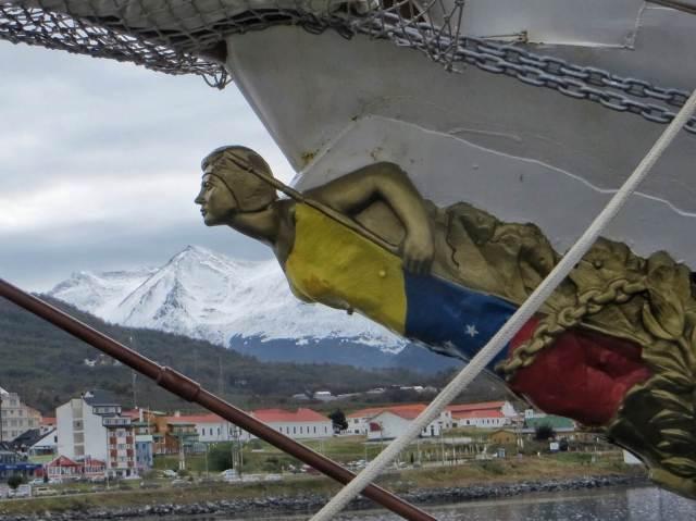 Venezuelalaisen purjelaivan keulakuva.