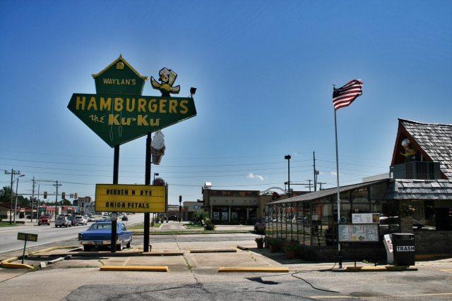 Päivän lounaskuva. Waylan's Ku-Ku Burger, Miami, OK.