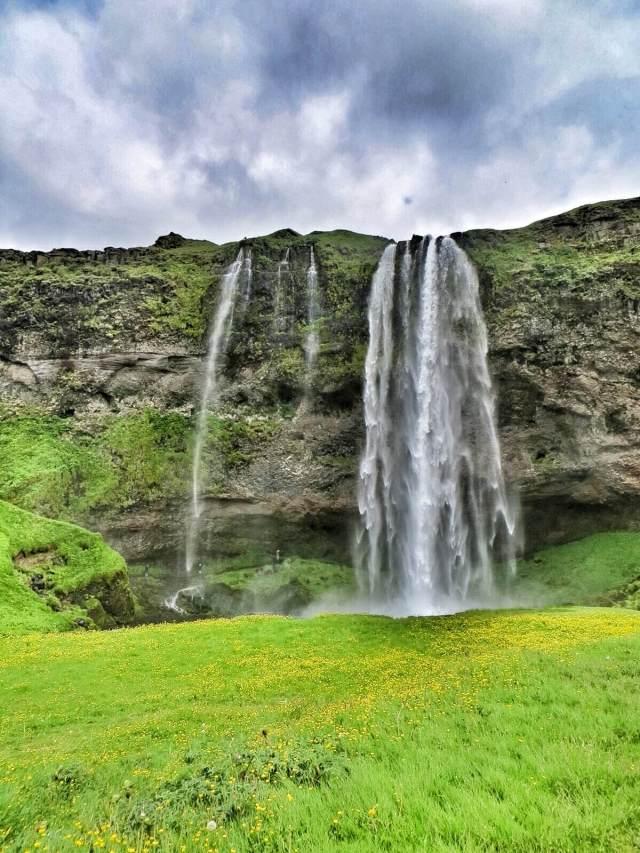 Ensimmäinen miljoonista vesiputouksista. Taisi olla jopa Islannin korkein.