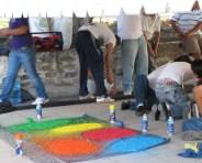Dye the sawdust