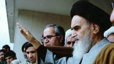 صورة ما لم تقله الصحافة: كف الإمام (سر إيماءة مسحة الرؤوس)