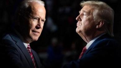 صورة ترامب وبومبيو يبيعان القرارات لتكبيل بايدن والقادم أعظم