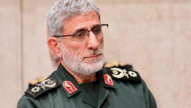 """صورة قائد قوة """"القدس"""" يؤكد على كسر الهيمنة الاميركية"""
