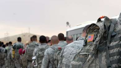 """صورة مع تزايد هجمات """"داعش"""".. هل تتراجع أمريكا عن سحب قواتها من العراق؟"""