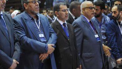 """صورة لسان حال بعض قادة حزب العدالة والتنمية المغربي: """"قلوبنا مع فلسطين وسيوفنا مع إسرائيل """""""
