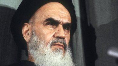 صورة الإمام الخميني رضوان الله عليه وسنن الاستبدال ..!
