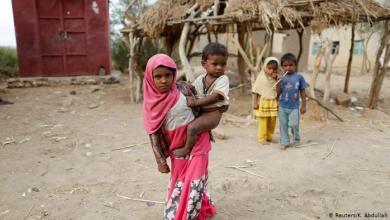 صورة أطفال اليمن المنسيون بين فكي النار والحصار