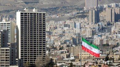 صورة ازرار الضغط بيد طهران / تأكدوا لا حرب !