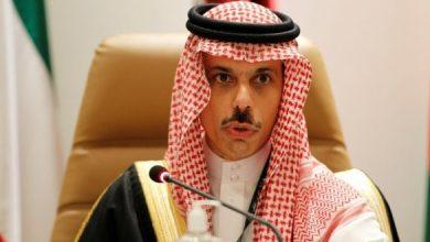 صورة وزير الخارجية السعودي يعلن عن مبادرة سعودية لإنهاء الأزمة في اليمن
