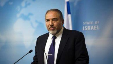 صورة ليبرمان يعلق على سقوط الصاروخ: إسرائيل تعيش تآكل لقوة الردع وسقوط الصاروخ برأس حربي كان من الممكن أن ينتهي بشكل مختلف