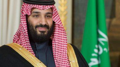 صورة لا يحق ل MBS  أن ينّصِب نفسه وسيطاً وهو قائد تحالف العدوان على اليمن