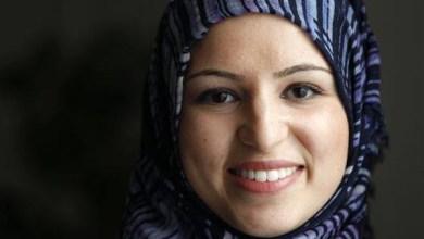 صورة كاتبة أمريكية مسيحية تدعو نساء المسلمين الالتزام بالحجاب وتنصح بنات المسلمين لايقلدون بنات الغرب وتقول لاتغركم المظاهر فإن النساء في الغرب مستغلين من الرجال