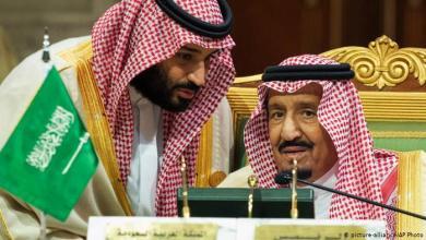صورة الملك سلمان وولي عهده لصوص الحرمين.. ما يحدث في موسم الحج عملية سرقة وسلب للحجاج هذه تفاصيلها
