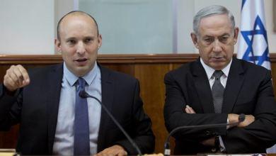 صورة الأسرى الإسرائيليون قنبلةُ نتنياهو في حجرِ بينت