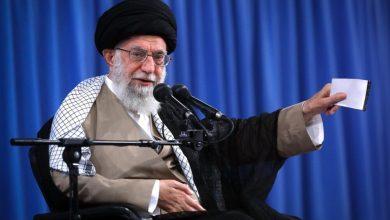 صورة ماذا قال قائد الثورة الاسلامية  الامام السيد علي الخامنئي اليوم لروحاني وحكومته وهي تمر في ساعاتها الاخيرة قبل الرحيل…؟