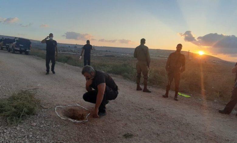 صورة ملعقة غور بيسان تحفر في قبر بن غوريون