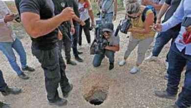 """صورة محاميا فلسطينيَين فارين من سجن إسرائيلي يكشفا للمرة الأولى تفاصيل الفرار ويؤكدان أن حفر النفق بدأ في كانون الأول الماضي.. ووسيلة هروبهم """"لم تكن ملعقة"""" ولم يشربا الماء"""