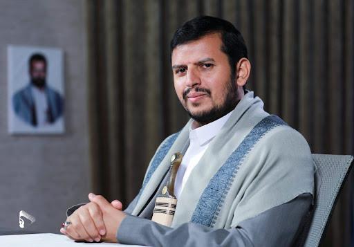 صورة قائد الثورة اليمنية في خطابة الاخير.. وعد ووعيد