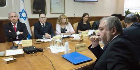 المجلس الوزاري المصغر: ديموقراطية مستبدة