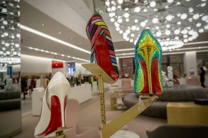 Et si Christian Louboutin n'avait pas colorié les semelles de ses chaussures ?