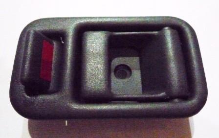 DOOR HANDLE INNER LEFT HAND S/ESTEEM