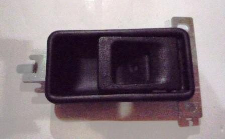 DOOR HANDLE INNER LEFT HAND BLACK M/ L300