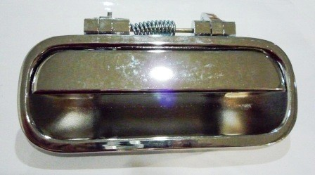 DOOR HANDLE OUTER LEFT HAND I/ PANTHER CROME