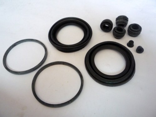 DISC BRAKE SEAL KIT T/INNOVA