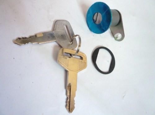DOOR KEY M/T120