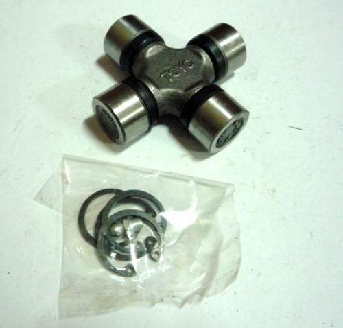 UNIVERSAL JOINT M/L200 REAR