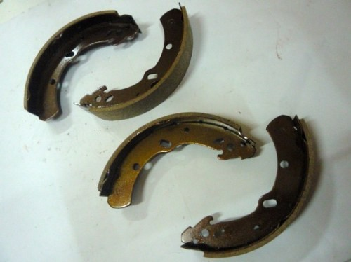 BRAKE SHOE ASSY I/ KBD 25 FRONT