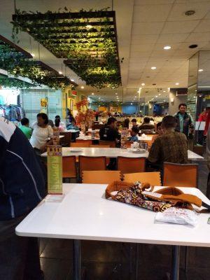 Suasana Tempat Makan D'Cost ITC Depok