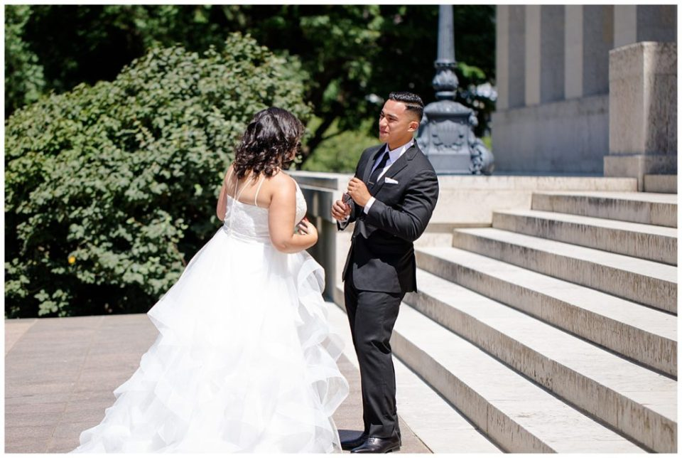 groom seeing bride for first time at ohio statehouse