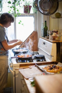 360x540xbreakfast-alayna-cooking.jpg-pagespeed-ic-exqa_akpij