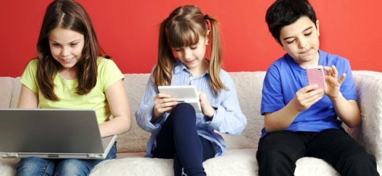alba calleja psicologa- psicologos gijon- pantallas y cerebro niños.jpg