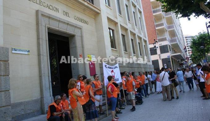 Trabajadores de la ONCE protestan contra el juego ilegal