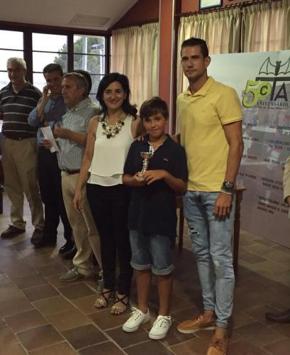 Guillermo García-López entrega los premiso del VIII Trofeo de tenis a beneficio de AFANION