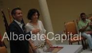 Santiago Cabañero firma convenio con Ana , de Mentalizate de Elche de la Sierra